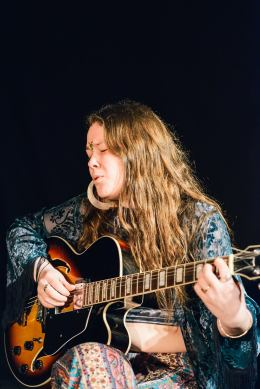 Lindsay Misiner, 2015 festival . Photo by Mel Hattie